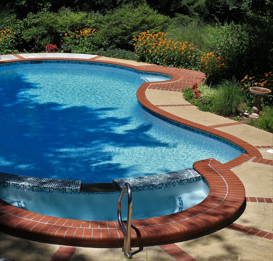 Pool Coping - 200 Plantation Red 1