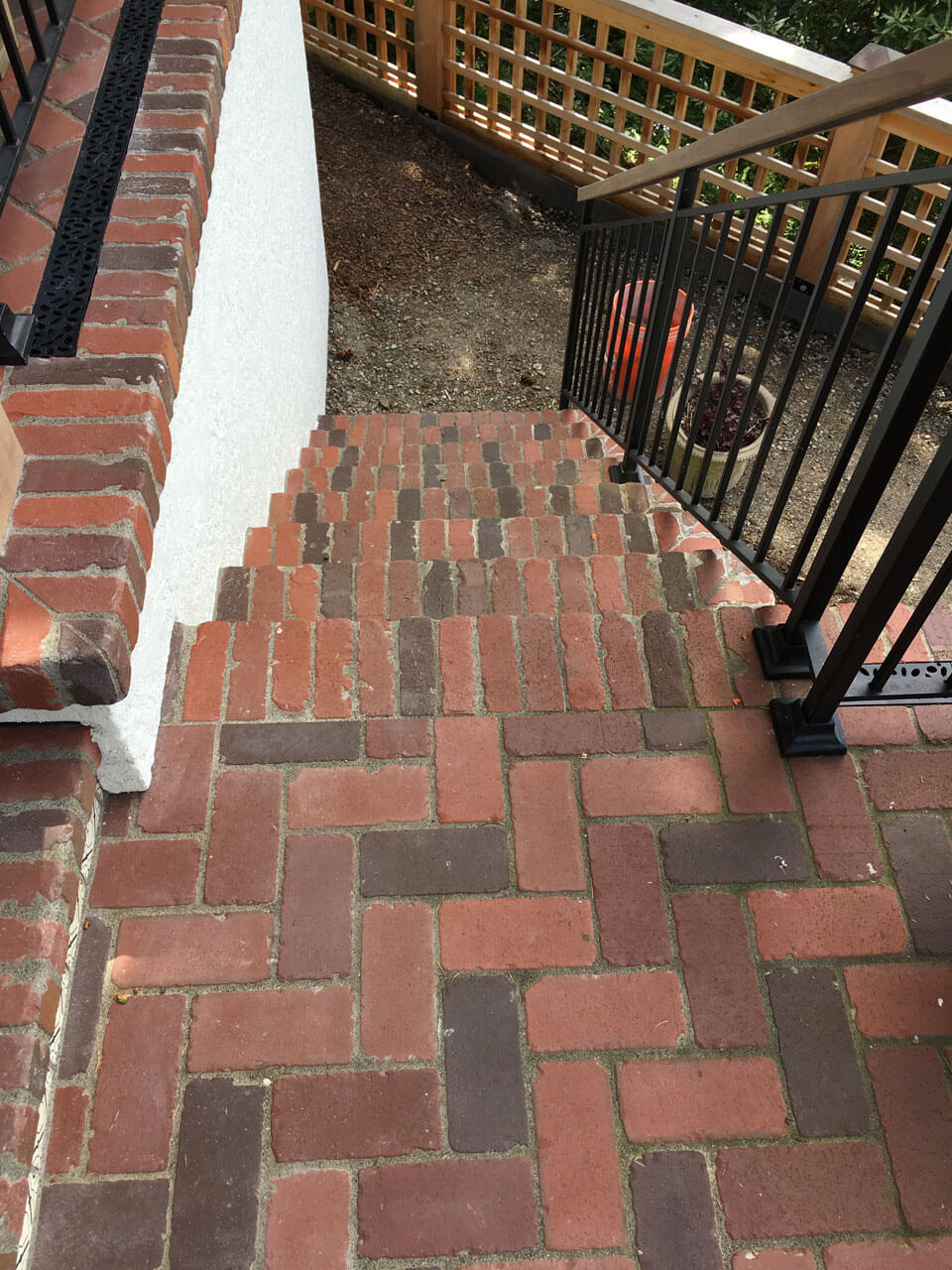 Tumbled Brick Tile Stairs 960x1280